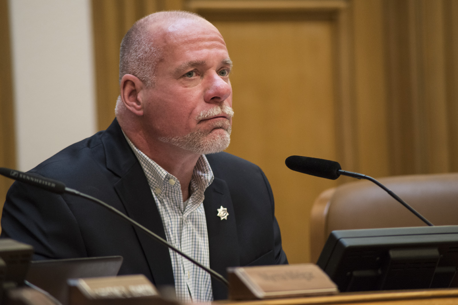 Embattled Planning Commissioner Dennis Richards abruptly resigns, surprising friends and foes