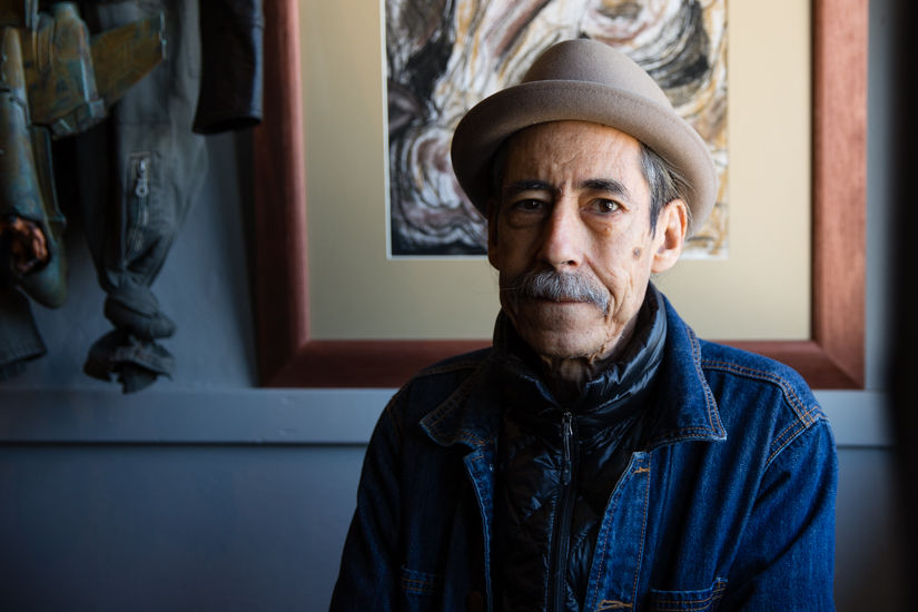 Disillusioned with the Cuban Revolution, he ends up running a surrealist cafe in San Francisco