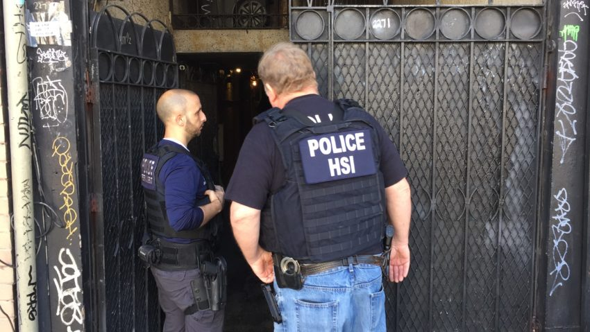 Homeland security agents raid apartment on SF's Mission St.