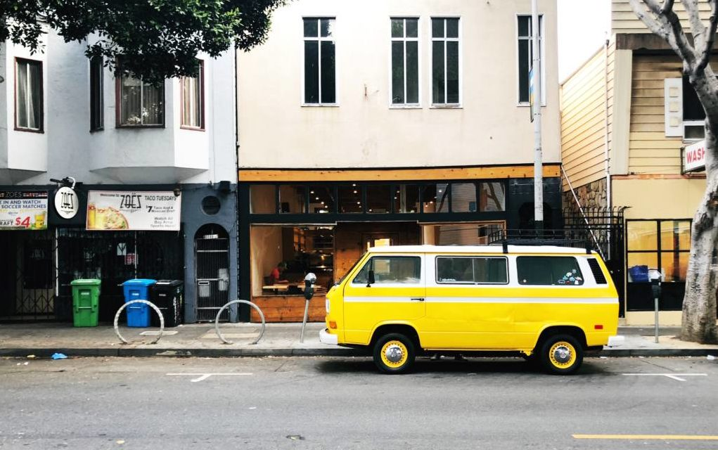 Snap: The yellow bus