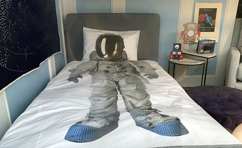 Snap: Mom, there's an astronaut in my bed!