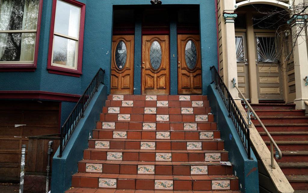 Snap: Follow the tiles