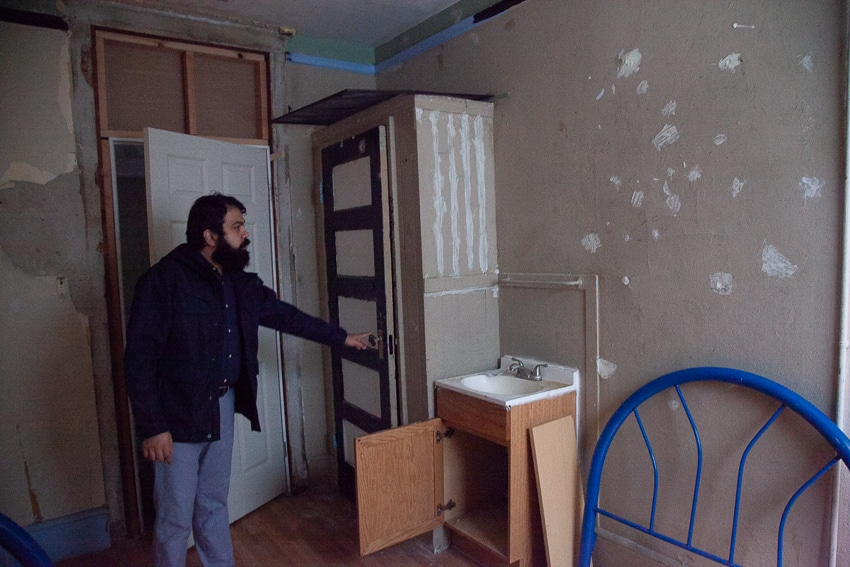 Tenants battle glut of evictions at troubled Mission hotel 'The Pit'