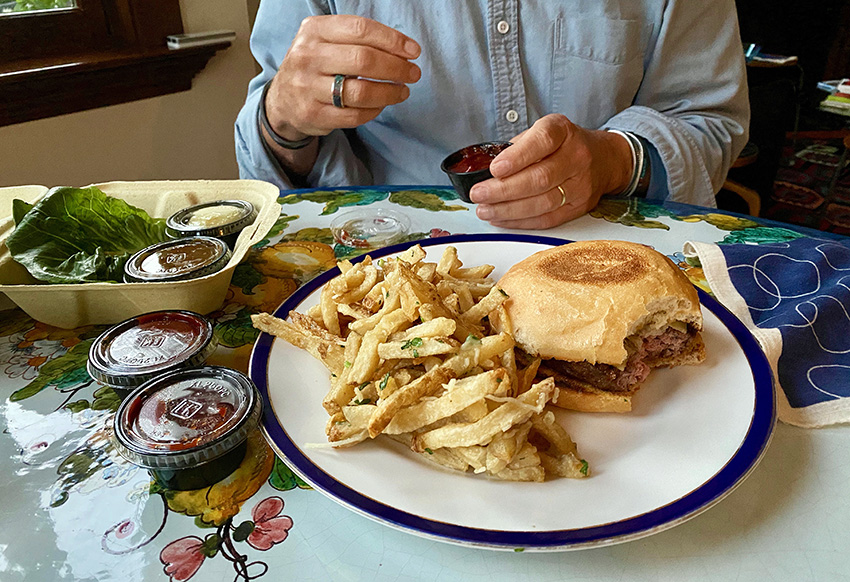 Monk's Kettle burger