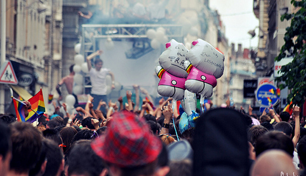 Lyon Gay pride myGayTrip.com