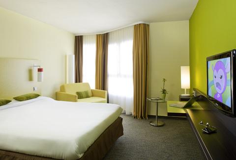 Hotel ibis styles nice veux port