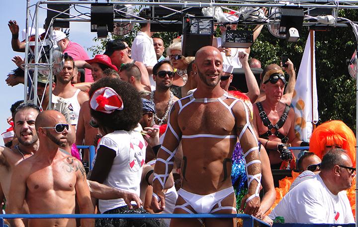 gay pride maspalomas parade