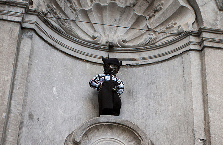 gay manneken pis
