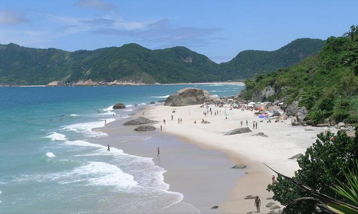 praia de abricot nude beach