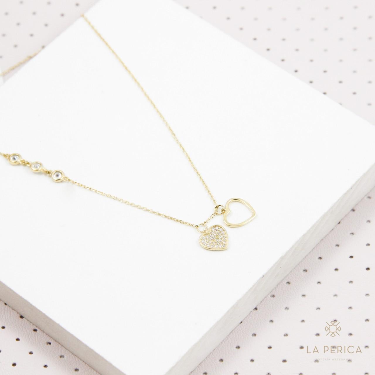 b992045a03d7 Collar corazones completos (plata enchapada en oro)