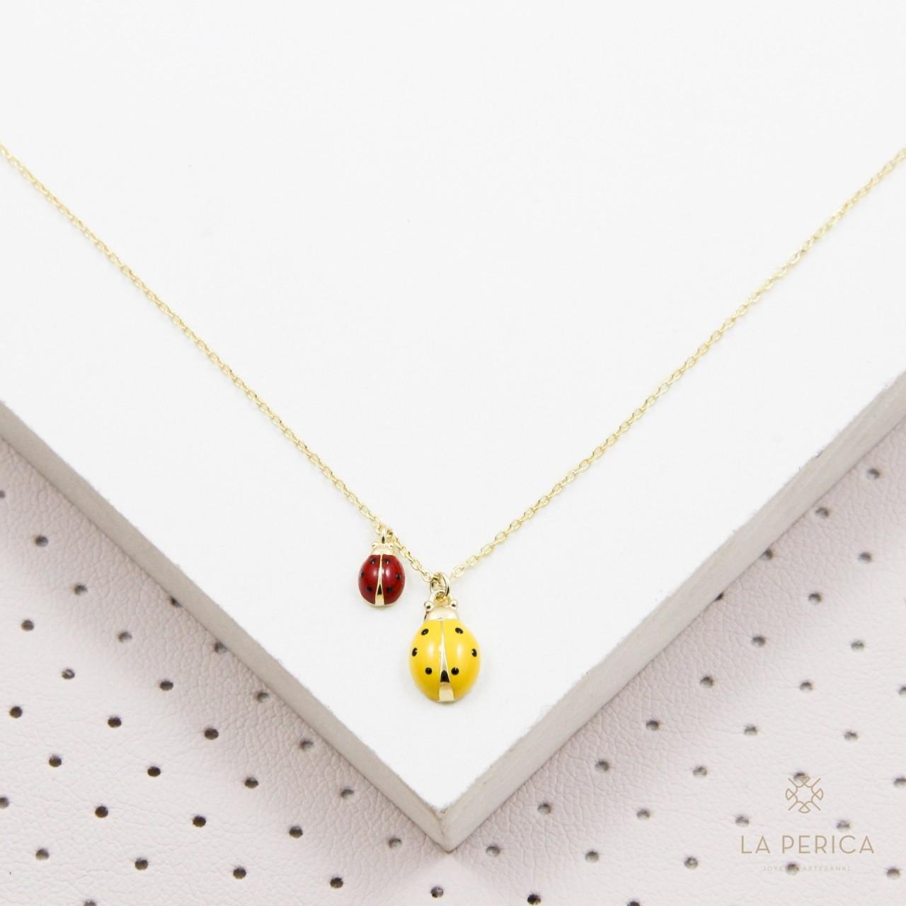 015a98558486 Collar Mariquitas (plata enchapada en oro)