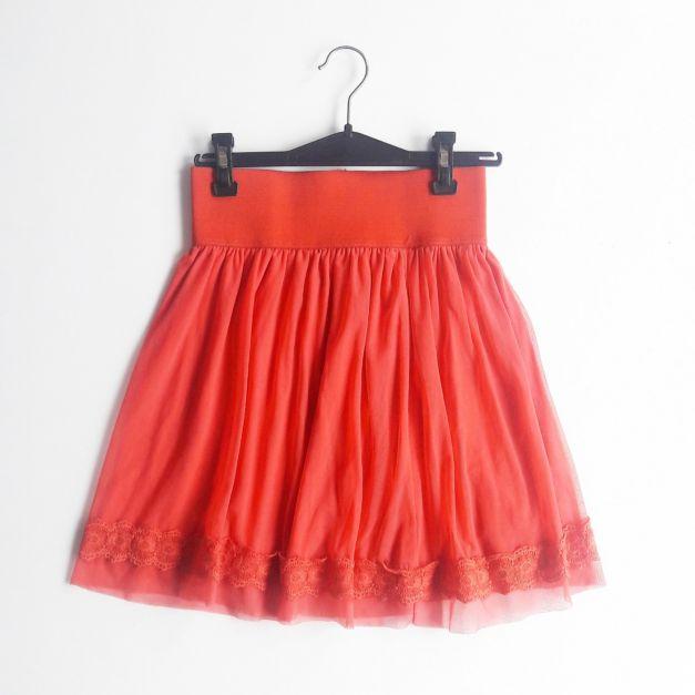 falda de tul roja  (#33THRIFTSHOP)