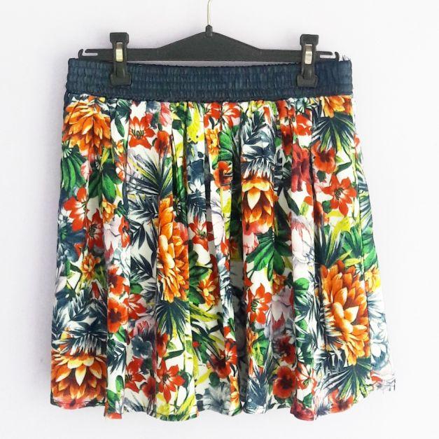 Falda de estampado de flores tropicales  (#33THRIFTSHOP)