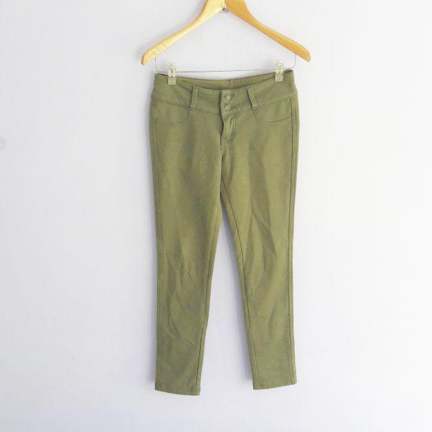 Jeggin verde militar