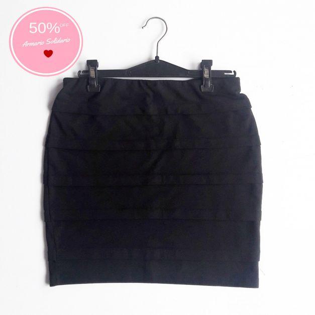 Falda tubo negra con pliegues  (#33THRIFTSHOP)