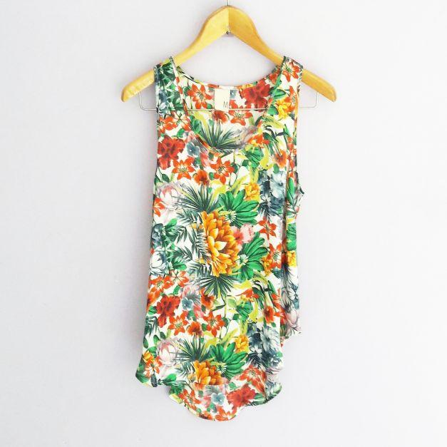 Blusa sin mangas con estampado de flores tropicales