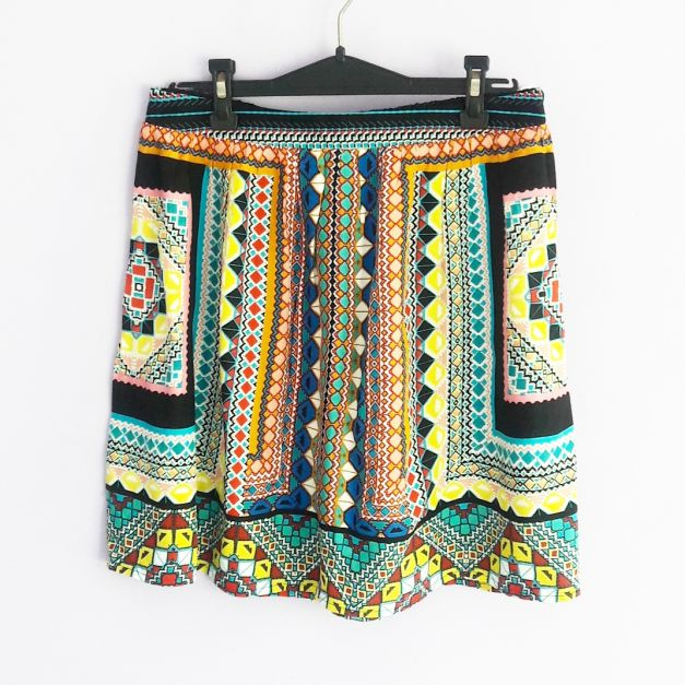 Falda con estampado geométrico   (#33THRIFTSHOP)