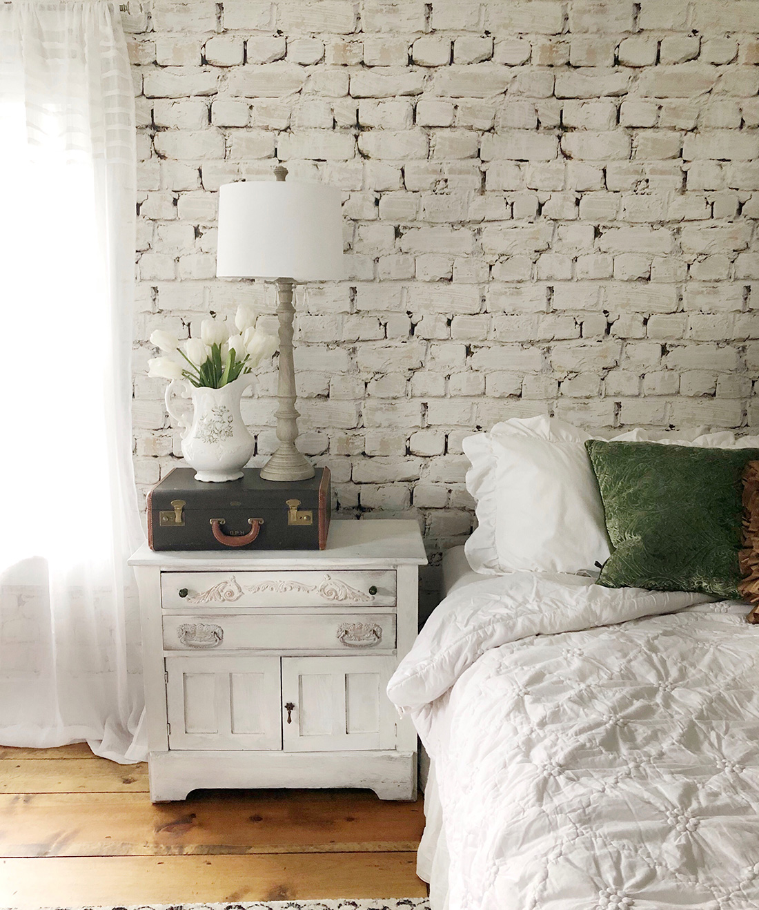 Whitewash Bricks Wallpaper White Rustic Brick Wallpaper Milton King