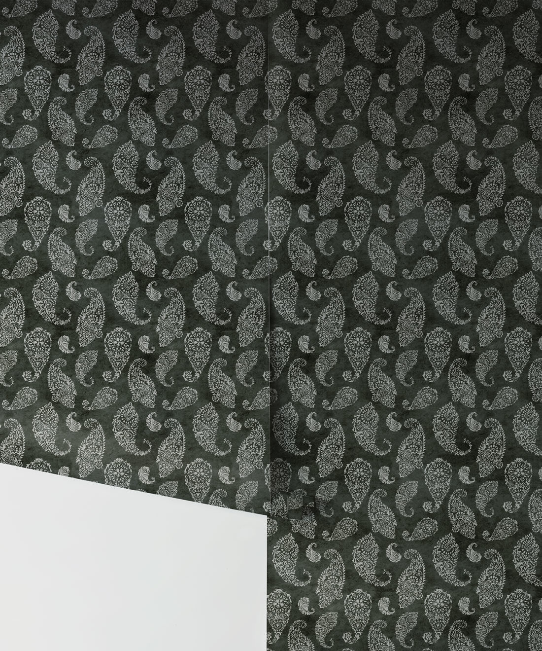 Paisley Wallpaper Charcoal