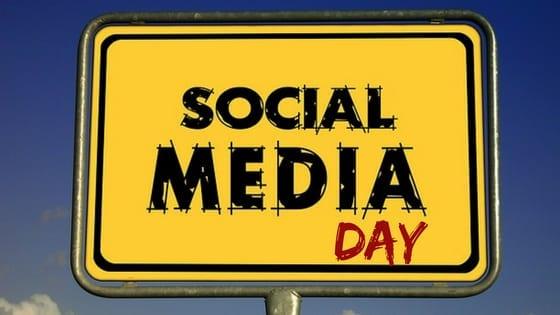 social media day - placa