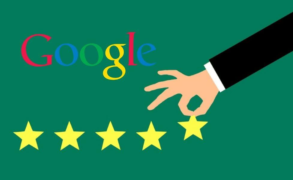 Avaliação do Google Meu Negócio: imagem de várias estrelas desenhadas em fila e no final uma mão segurando uma estrela