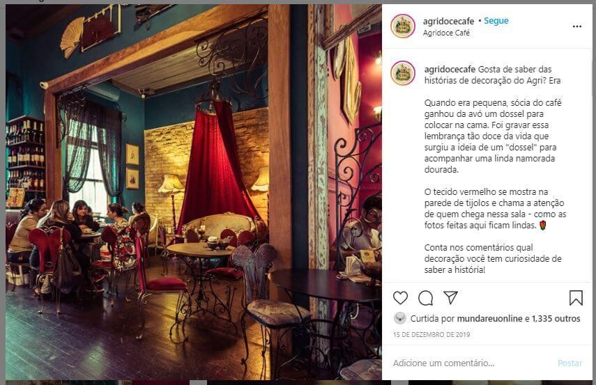 Redes sociais para restaurantes: foto do ambiente do restaurante Agridoce Café no Instagram