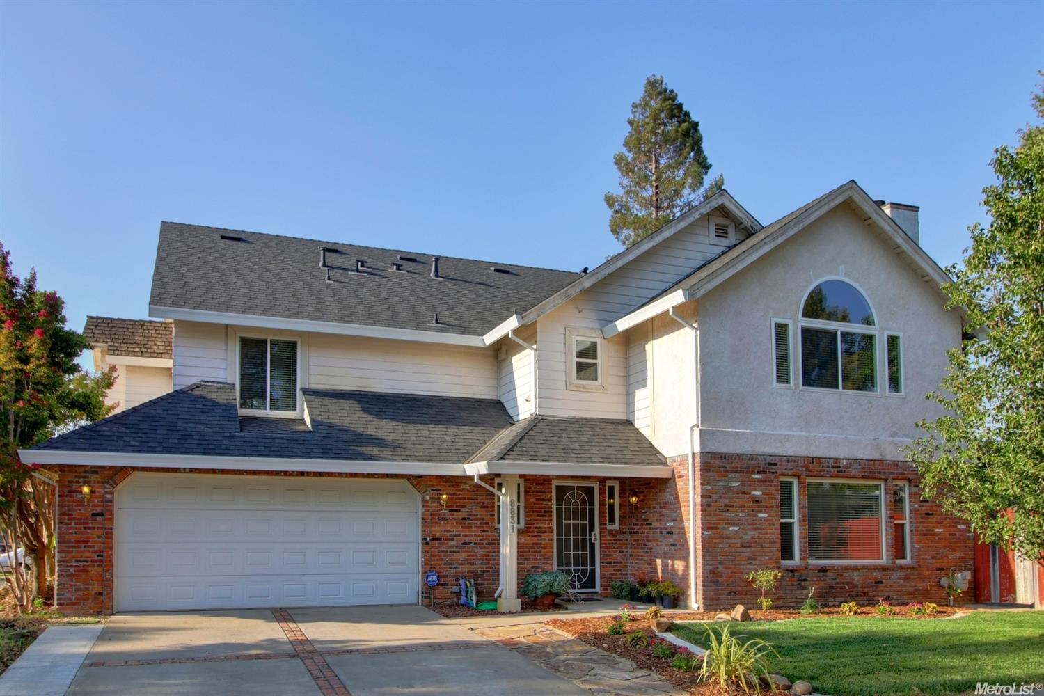 Valley Oak Lane, ELK GROVE, CA 95624