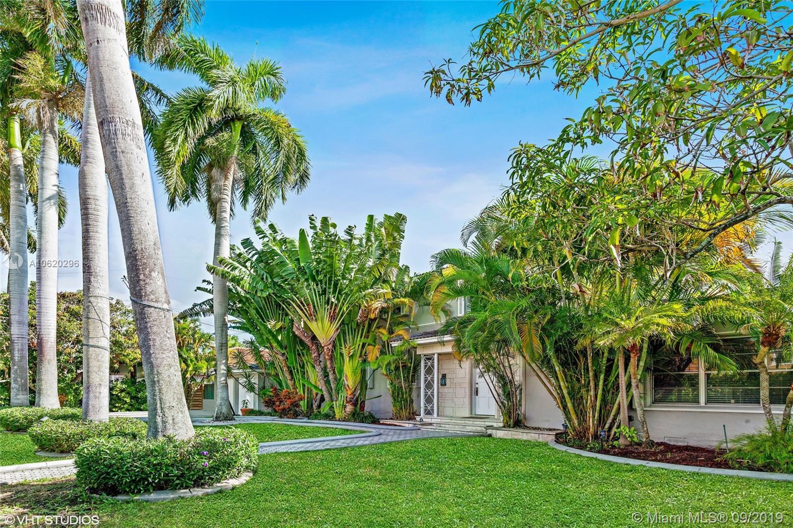 3011 Royal Palm Ave