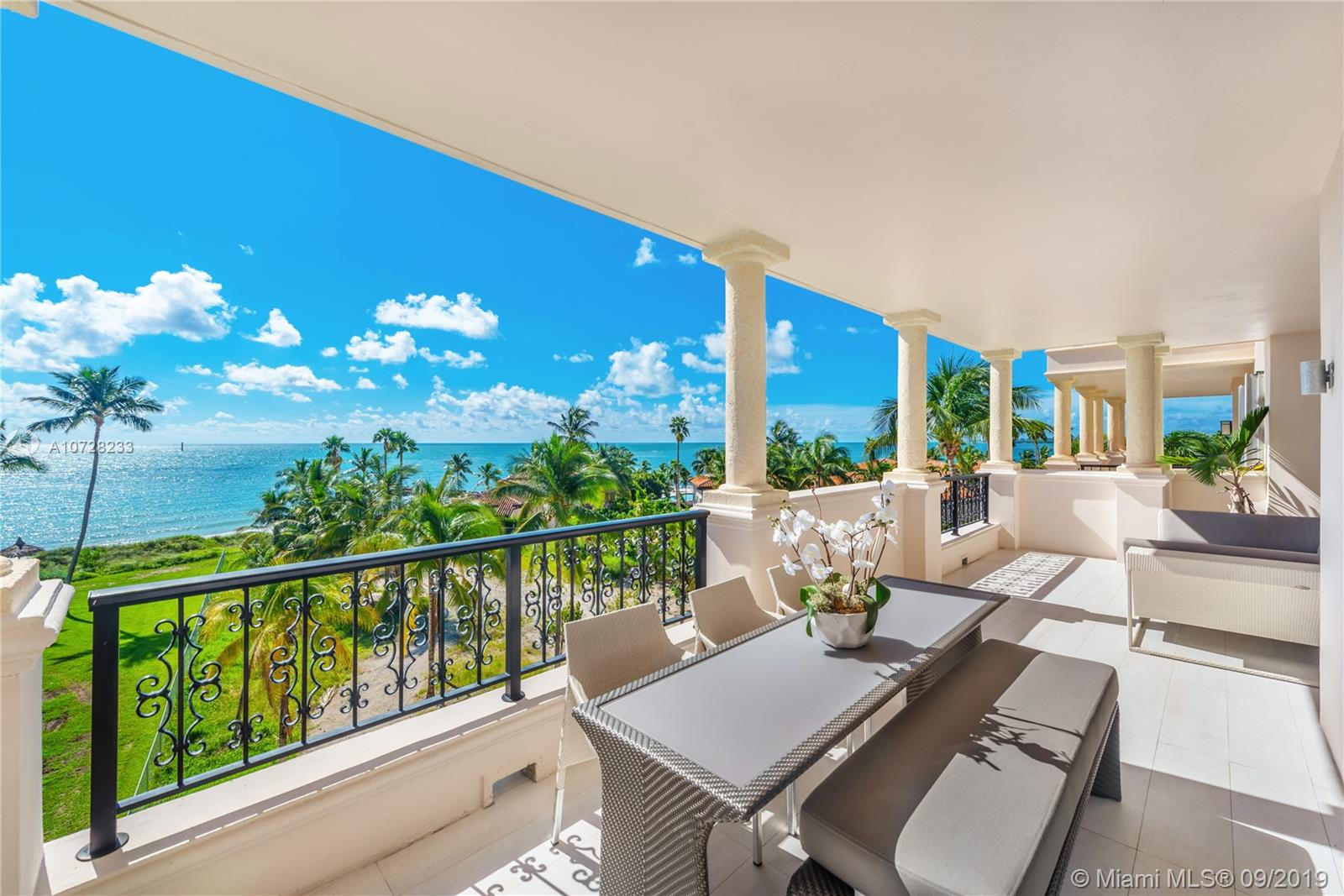 19243 Fisher Island Dr #19243