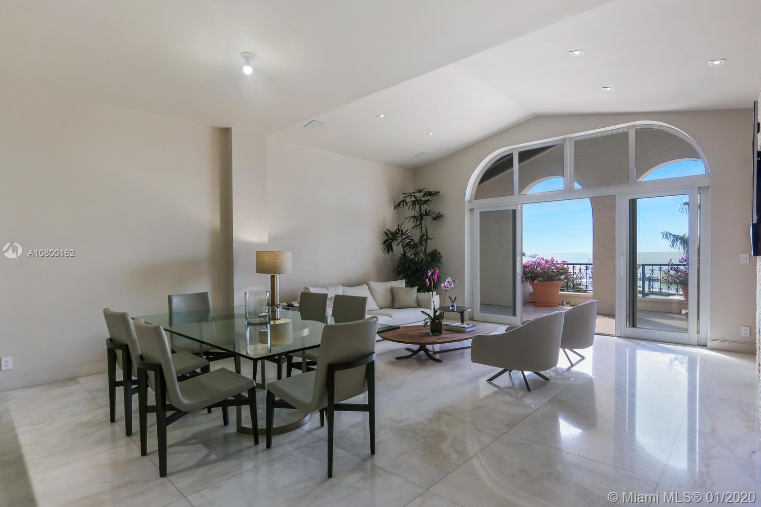 2042 Fisher Island Dr #2042
