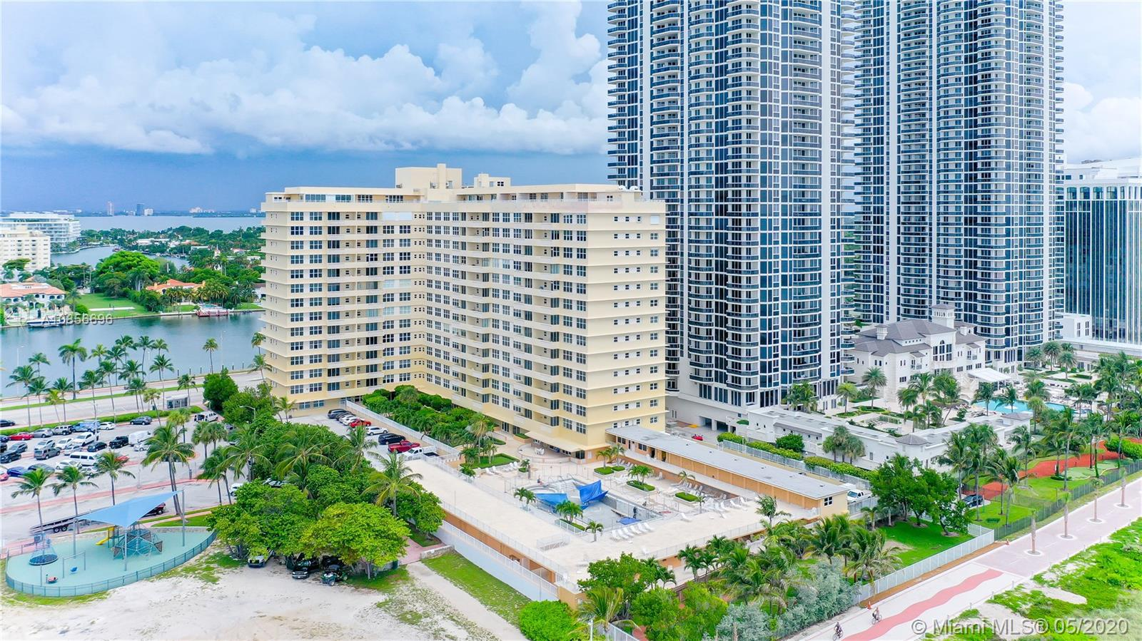 4747 Collins Ave #905