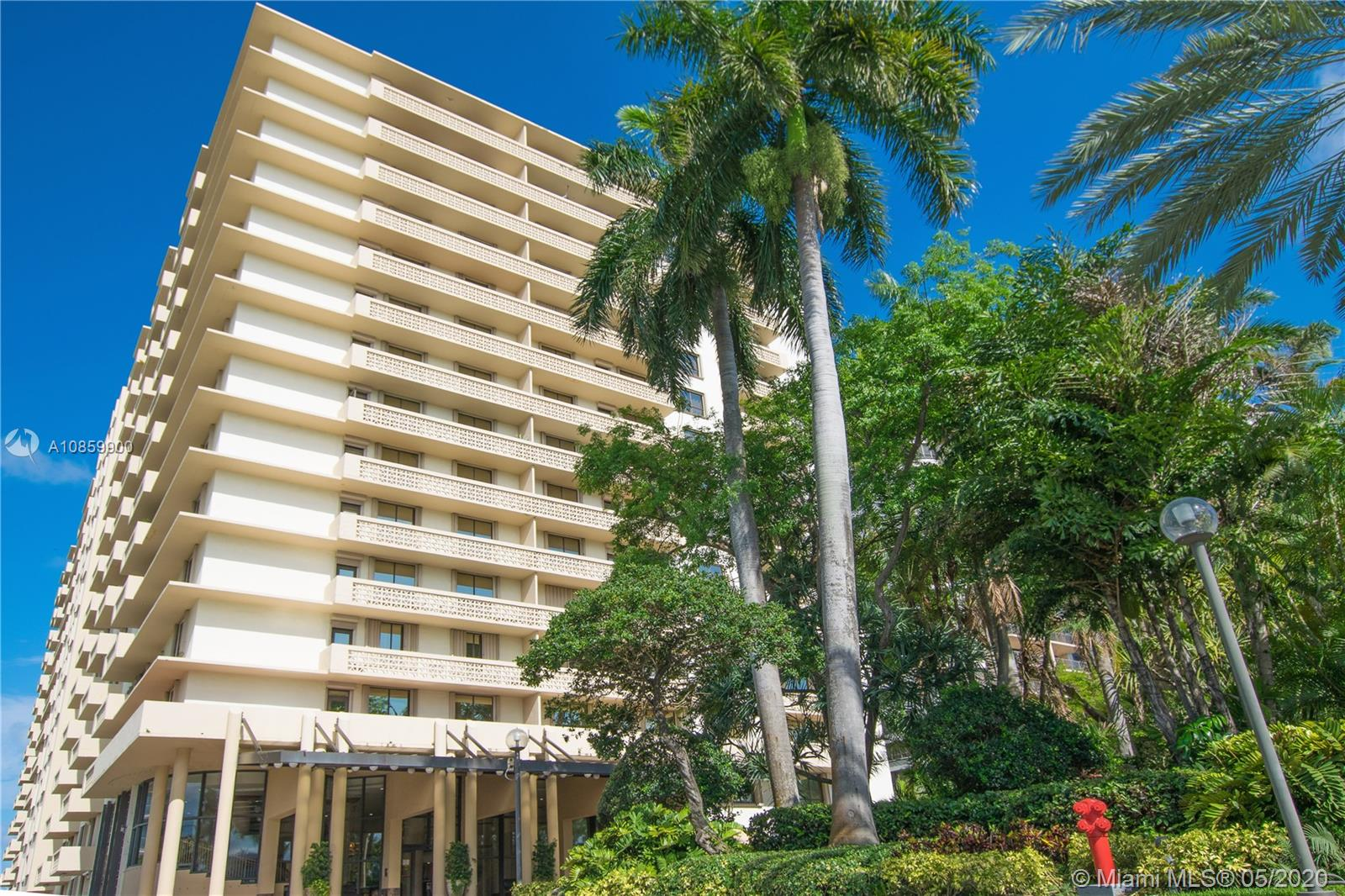 10185 Collins Ave #902