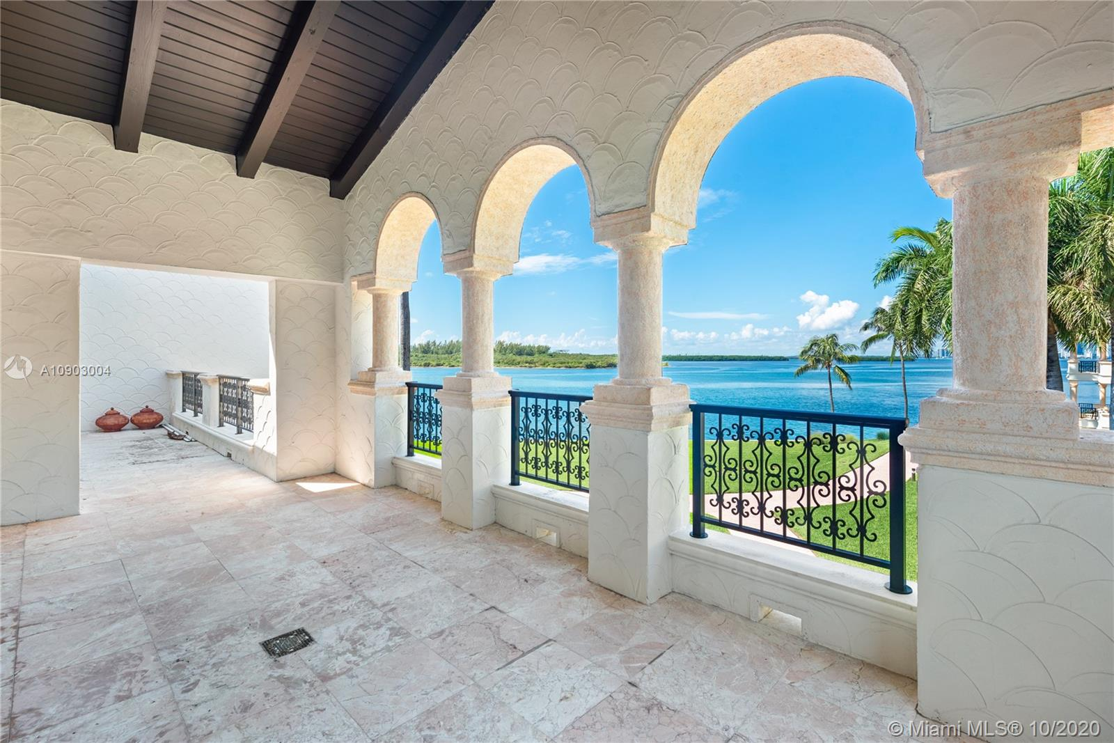 4834 Fisher Island Dr #4834