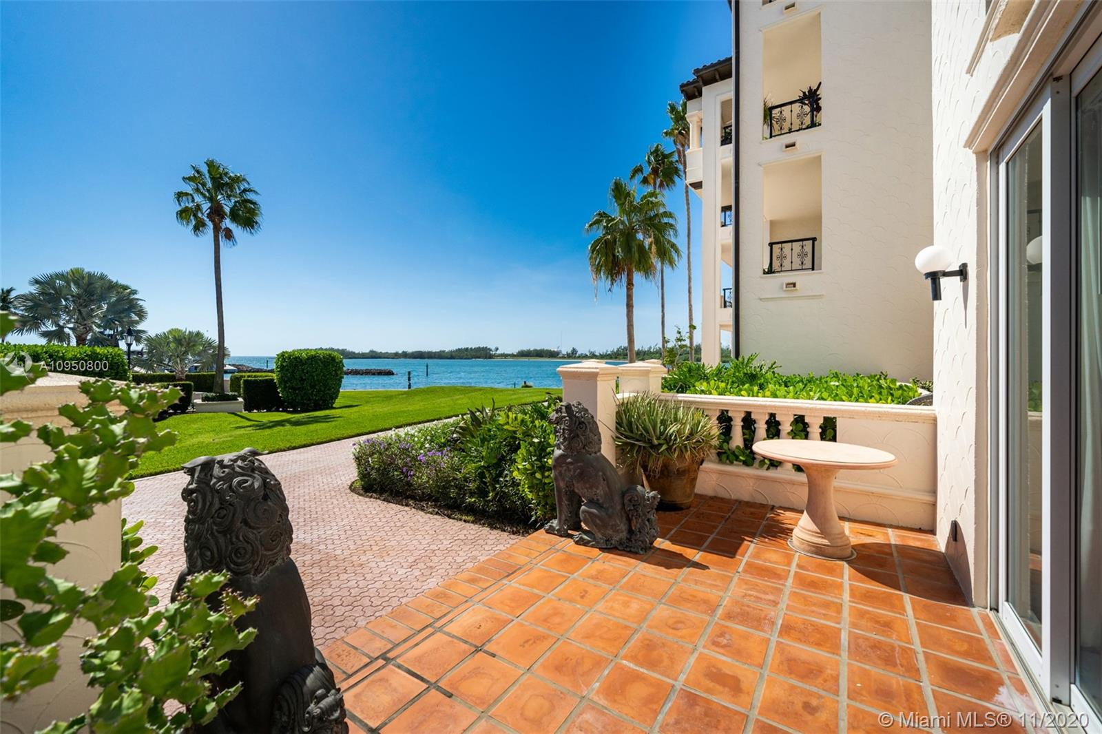 2212 Fisher Island Dr #2212