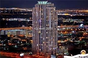 This unit is on a penthouse floor. Fabulous 1 bedroom with large den/eating area, modern kitchen. The living room and balcony all have an unobstructed view of downtown. Truly high rise living at its best. Enjoy Allure amentities: 24-hour doorman, valet, concierge services, pool and cabanas, fitness center, business center, media room and private wine cellar!