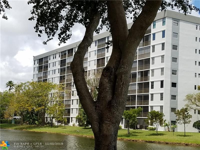 "LARGE 1400SF UNIT LOCATED IN THE SOUGHT-AFTER ""ISLAND"" SECTION OF CYPRESS BEND. IMPACT WINDOWS! SHUTTERS ON THE BALCONY! LAMINATE FLOORS IN LIVING AREA, WASHER AND DRYER IN UNIT.  EAST-IN KITCHEN, SCREENED PATIO OVERLOOKING THE LAKE. THIS UNIT IS NOW VACANT AND EASY TO SHOW-SUPRA LBX"