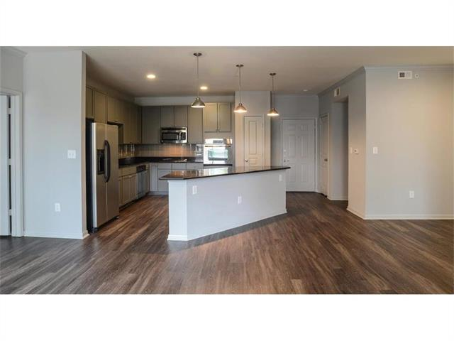 901 Red River St #1413, Austin, TX 78701