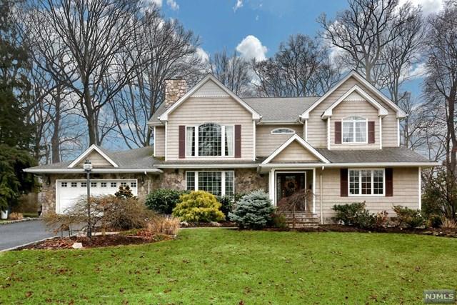 935 Phyllis Lane, Oradell, NJ 07649