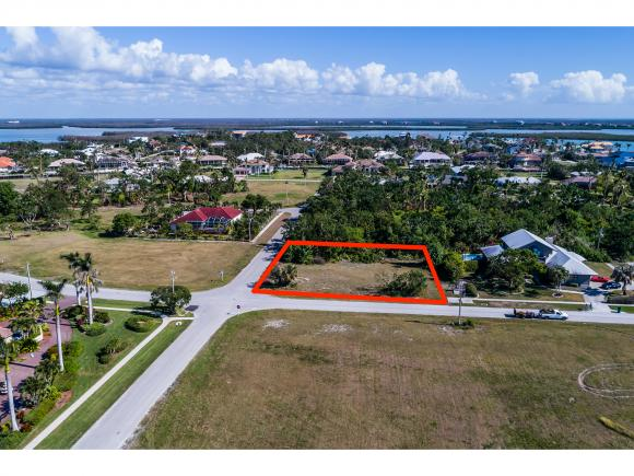 Build your dream home in prestigious Estates area of Marco Island! Gulf views from the front of this lot add to the value of this very well priced property! Don't miss this opportunity!