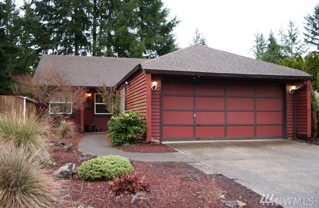 Cute 3 bedroom rambler in convenient location - near I-5 & shopping! 1,200 sf includes vaulted living room, dining room, kitchen with all appliances included. Master w/walk-in closet, 2 other bedrooms and a den/bonus room. Large patio. Manageable backyard. Easy maintenance. Front lawns maintained by HOA. Fresh exterior paint, 2-Car Garage, and newer rear fence. Enjoy the community pool in the hot summer months ahead. Great price, bring your vision to make it your own!