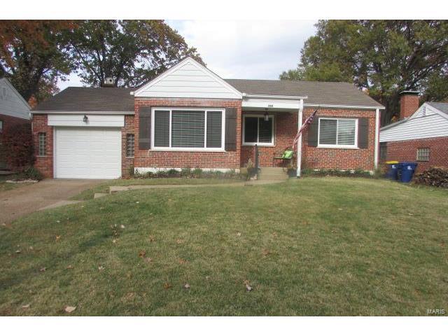 209 Sunningwell, Webster Groves, MO 63119