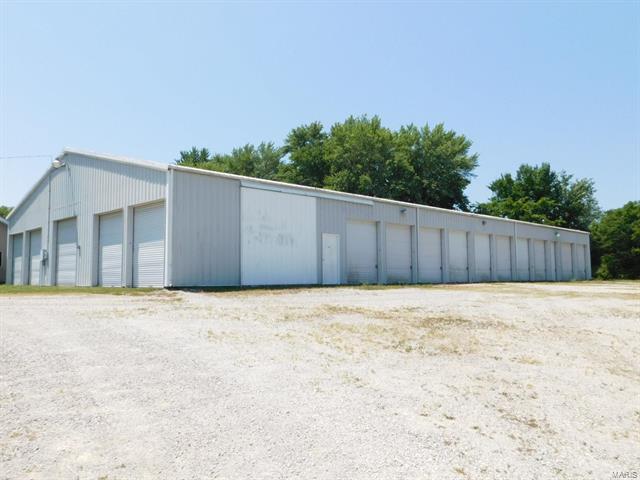 406 North Road, Coffeen, IL 62017