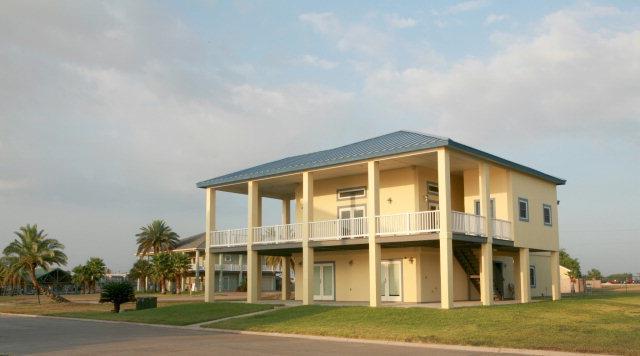 113 E Mansfield Drive, Port Mansfield, TX 78598