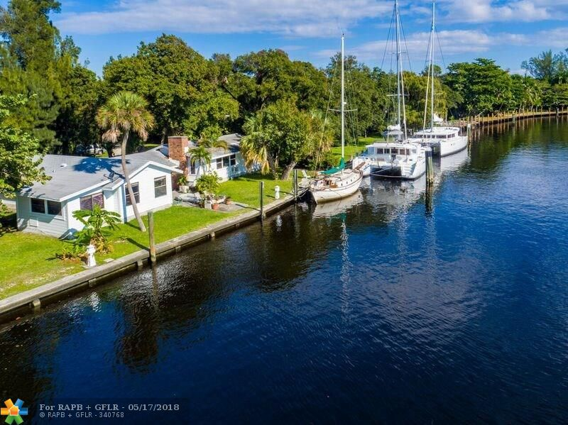 ***OWNER FINANCING AVAILABLE***A RARE FIND DIRECTLY ON THE NEW RIVER W/ 209 ft OF DEEPWATER, NO FIXED BRIDGES!! OVERSIZE LOT OF 29,000 SF. WITH 2 OLD FLORIDA COTTAGE/HOMES.  SOUTH EAST WATER VIEWS & LUXURY YACHTS, MINUTES TO LAUDERDALE MARINE CENTER FOR ALL YOUR MARINE NEEDS.   DOCK YOUR MEGA YACHT, RENT THE REST ADDITIONAL INCOME OR HOUSING FOR YOUR CREW,  SECLUDED ON A PRIVATE ROAD, CLOSE TO DOWNTOWN, SHOPS AND MINUTES TO MAJOR HWYS.  PROPERTY IS CURRENTLY RENTED ON A MONTH TO MONTH BASIS TO LONG TIME TENANTS