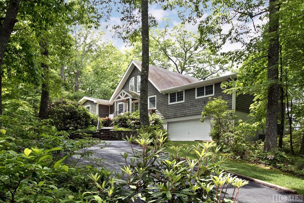 2349 Highland Gap Road, Scaly Mountain, NC 28775