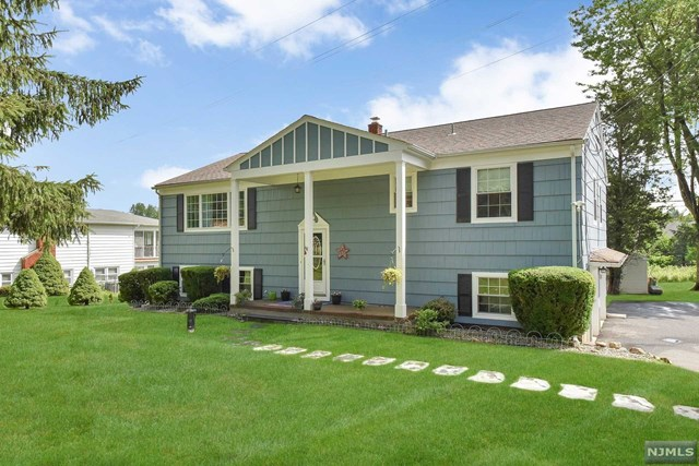 49 Sunrise Terrace, Randolph Township, NJ 07869