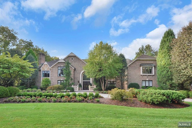 18 Eckert Farm Road, Saddle River, NJ 07458