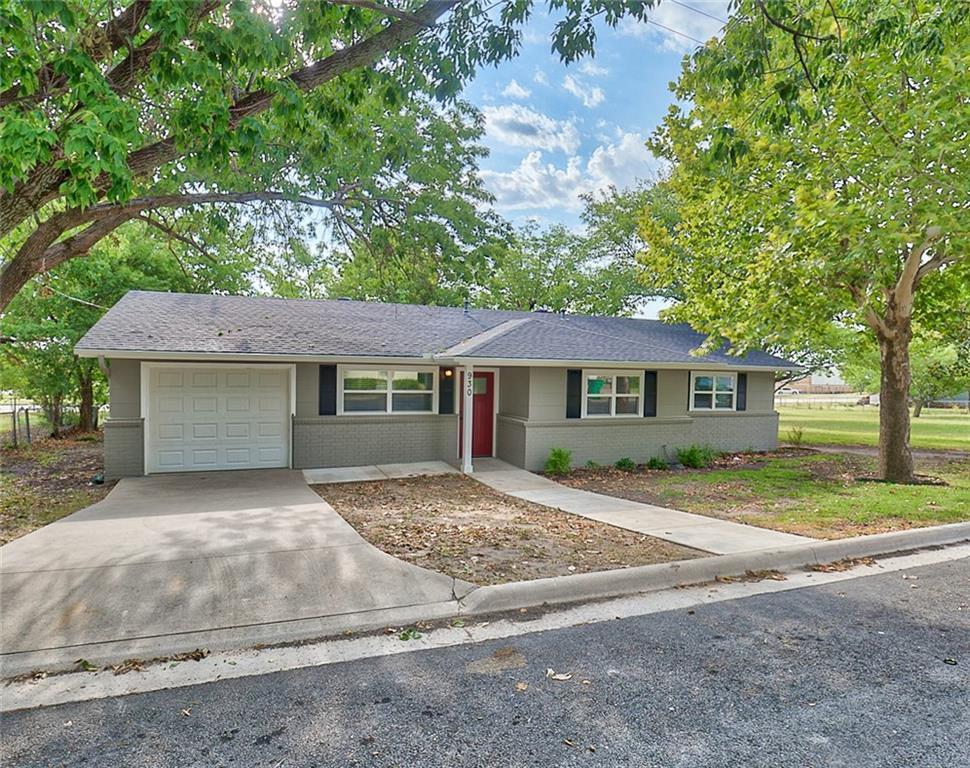 930 N Oak Street, Muenster, TX 76252