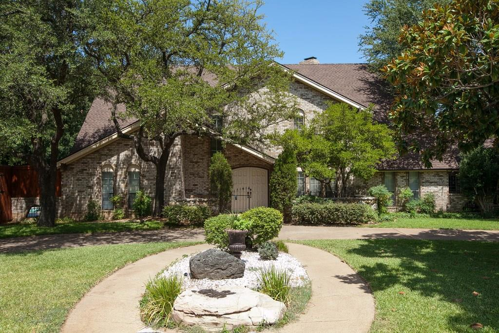 171 Campbell Drive, Lewisville, TX 75057
