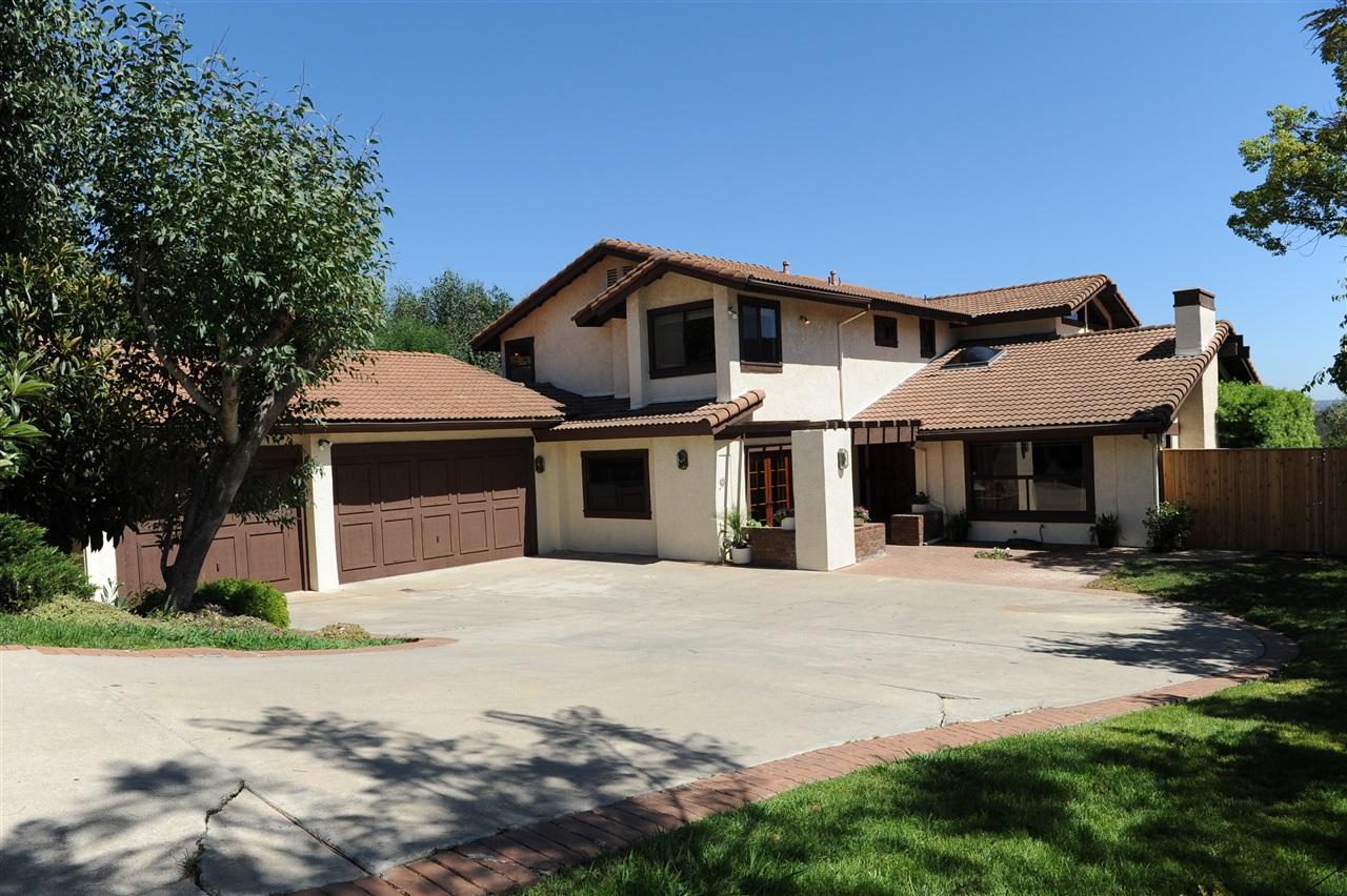 13633 Del Poniente Rd, Poway, CA 92064